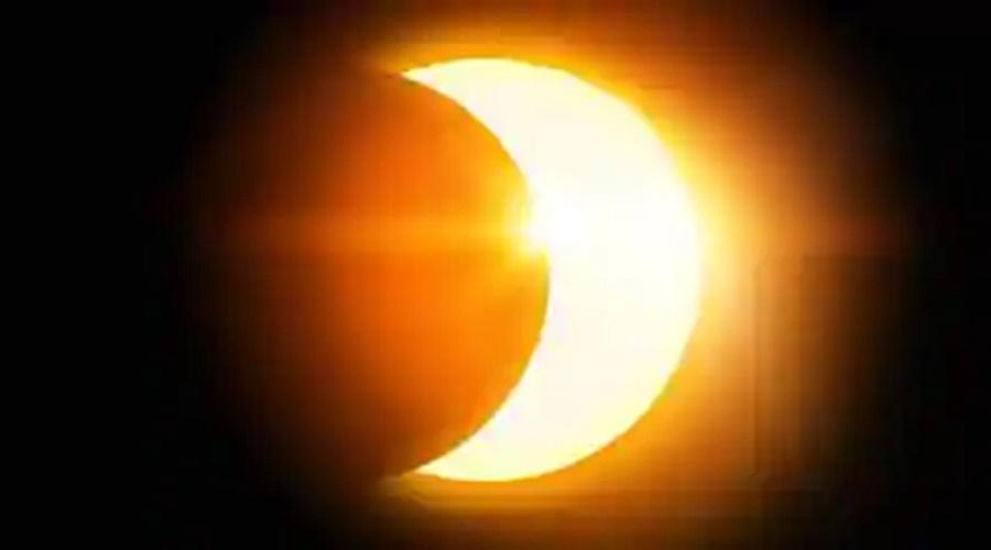 વર્ષનું સૌથી મોટું સૂર્યગ્રહણ, આ શહેરોમાં જોવા મળી સૂર્ય પર ચંદ્રની છાયા