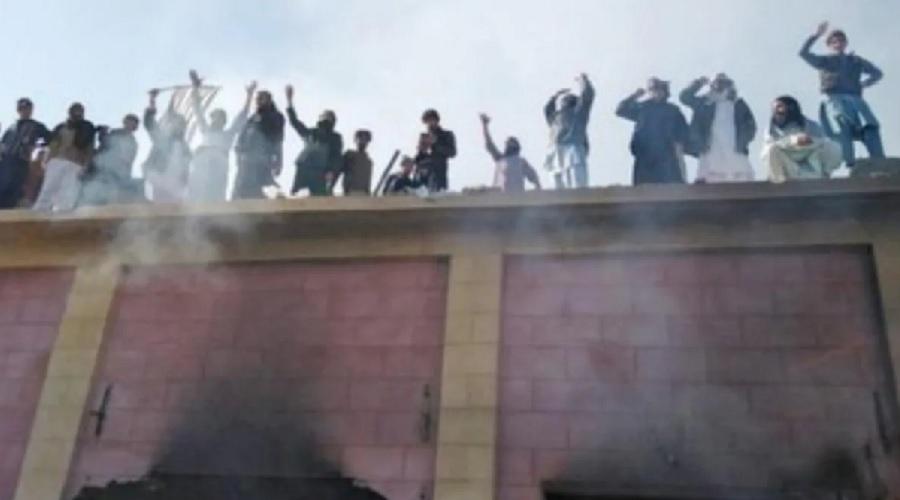 પાકિસ્તાનમાં મંદિરની તોડફોડ, સુપ્રીમ કોર્ટ એક્શન મોડમાં, નેતાઓએ કરી ટીકા, અસંખ્ય ધરપકડ
