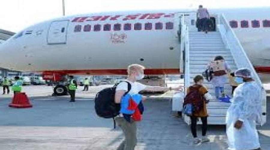 કોરોનાનાં ડરે ભારત છોડી આ દેશમાં જઈ રહ્યા છે અમીર લોકો, 10 ગણું વધુ ભાડું આપી રહ્યા છે