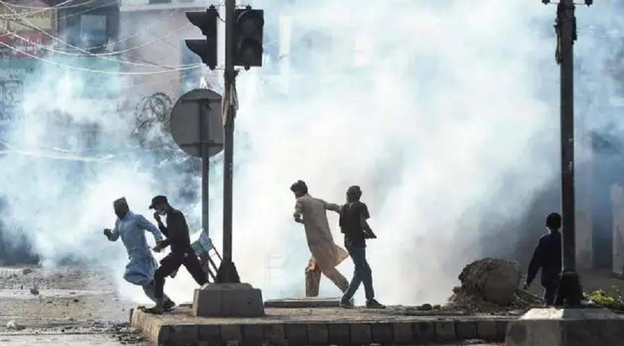પાકિસ્તાનમાં યુદ્ધ જેવી સ્થિતિ: અનેક શહેરોમાં તોડફોડ અને આગચંપી, ઇમરાન અને આર્મીની ઉંઘ હરામ