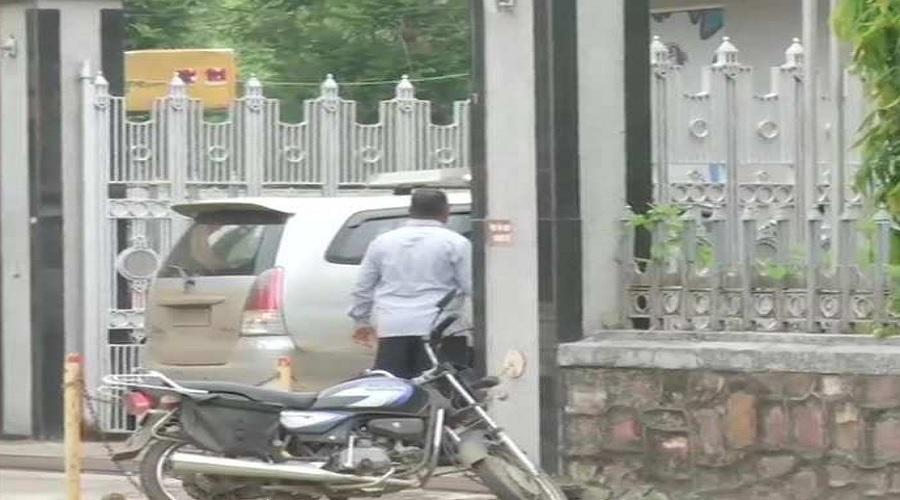 અખબારી જગતમાં ખળભળાટ: ગુજરાત સહિત દેશભરમાં દૈનિક ભાસ્કર જૂથની ઓફિસો પર દરોડા