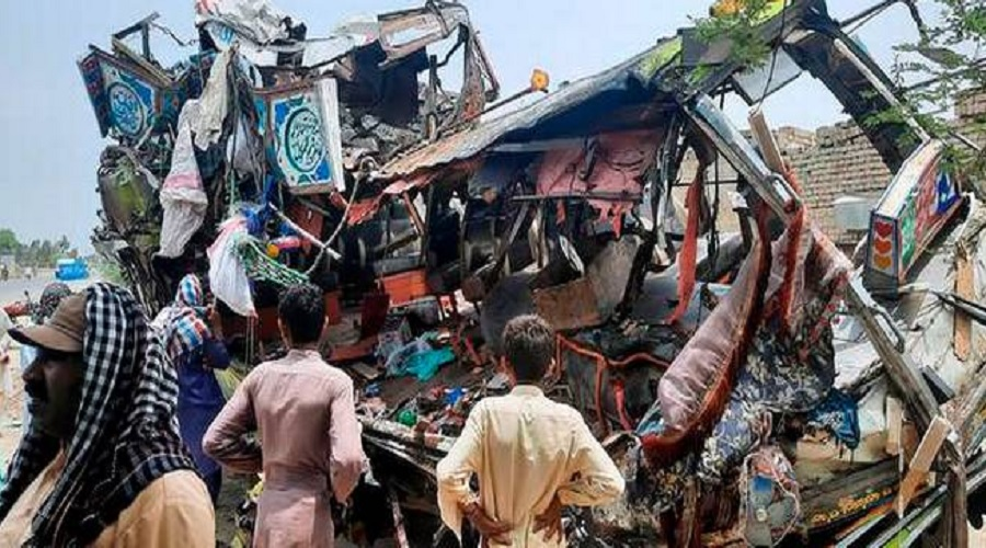 પાકિસ્તાનઃ બસ-ટ્રક અકસ્માત, 30 લોકોના પ્રાણપંખેરૂં ઉડી ગયા